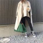 冬の服装♡黒に合う色×ベージュコーデ|コート・ニット・スカートなど
