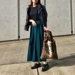 冬の服装♡黒に合う色×緑コーデ|ニット・コート・カーディガンなど